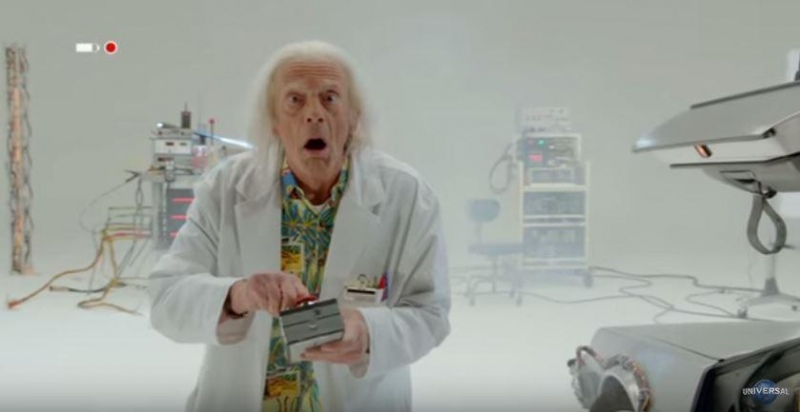 Great Scott! Doc Brown salva o mundo em teaser
